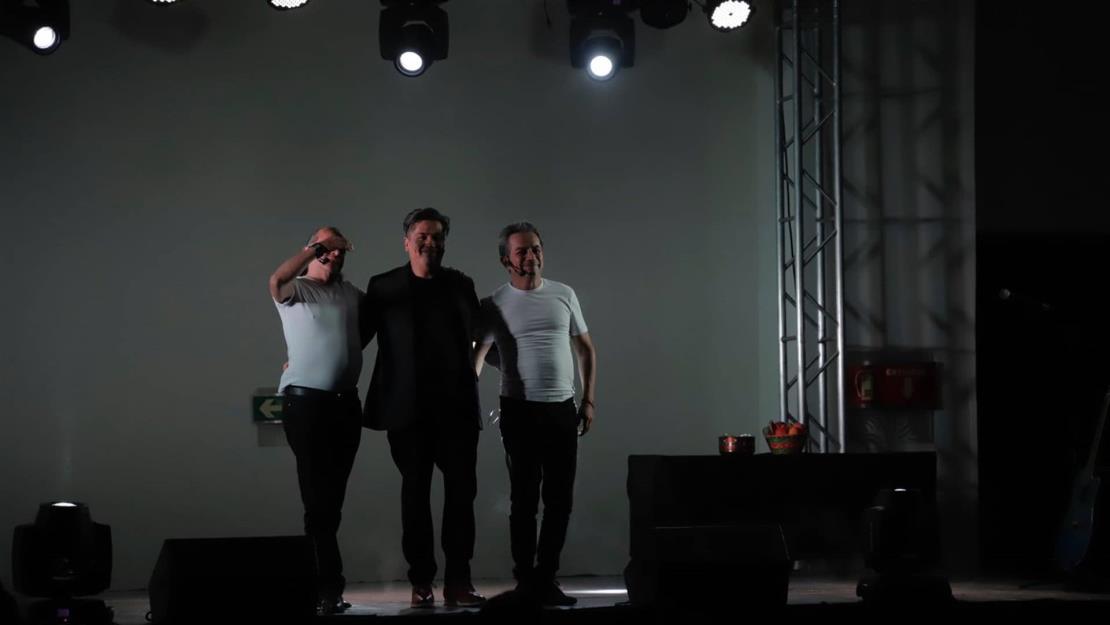 Hacen reír los Mascabrothers con su show en vivo en Mazatlán