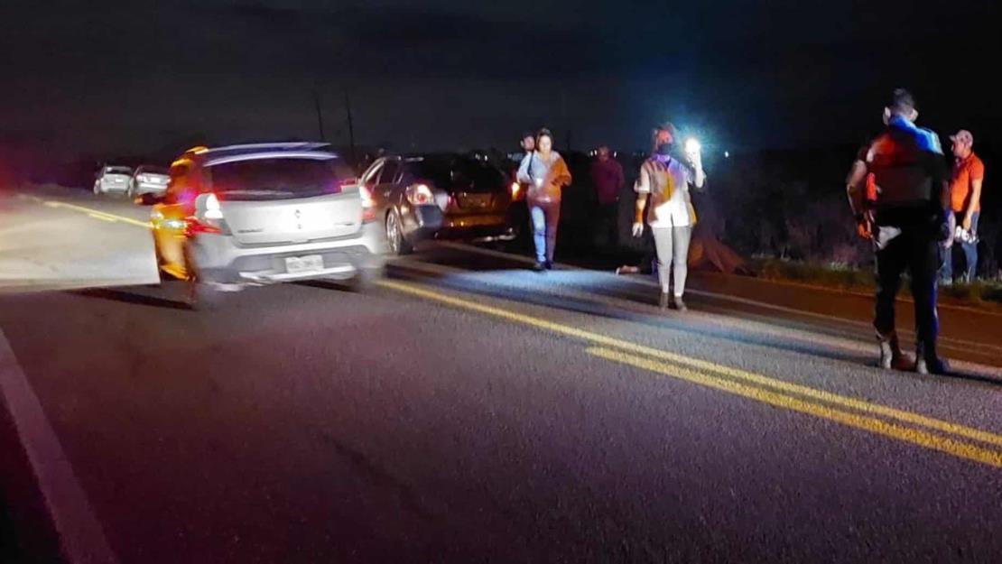 """Motociclista muere embestido por """"auto fantasma"""" en Pericos, Mocorito"""