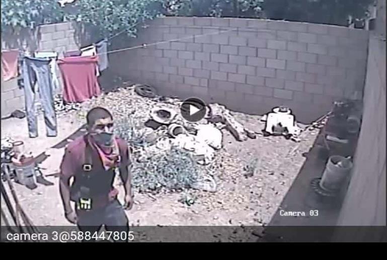 Sujeto roba en casa del Álamos Country; era de día y había un menor en el domicilio