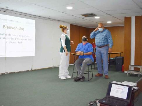 Brinda IMSS curso para mejorar atención de personas con discapacidad
